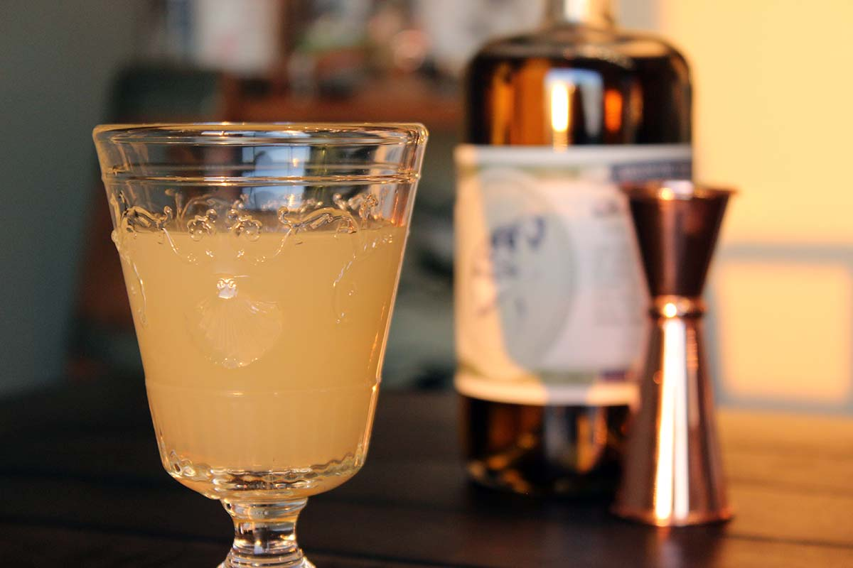 Clean and diluted absinthe: how to drink at home