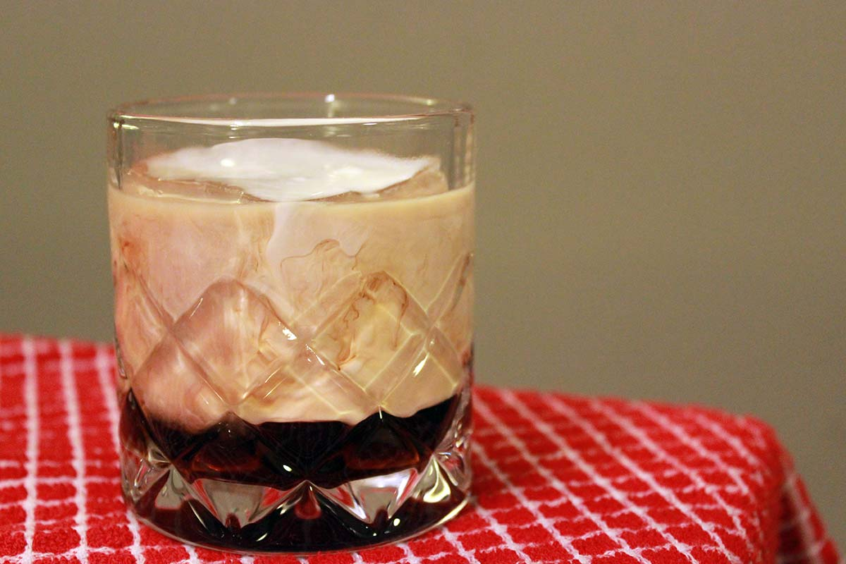 how to make a white russian alcoholic drink