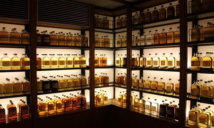 suntory yamazaki whisky library